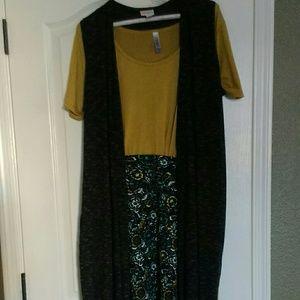 LuLaRoe Joy vest, classic tee and cassie skirt